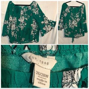 Cato Tops - Cato bell sleeve top size 26/28W